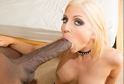 Christie Stevens Gets Mandingo In Her Mouth