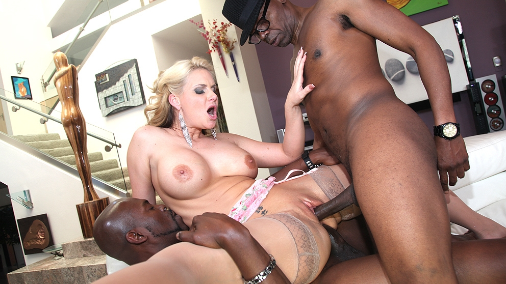 image Zoey monroe threeway with cherie deville