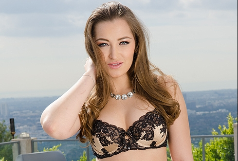 Dani Daniels Shows Off Her Squirting Skills