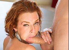 Veronica Avluv Squrting MILF Making It Rain